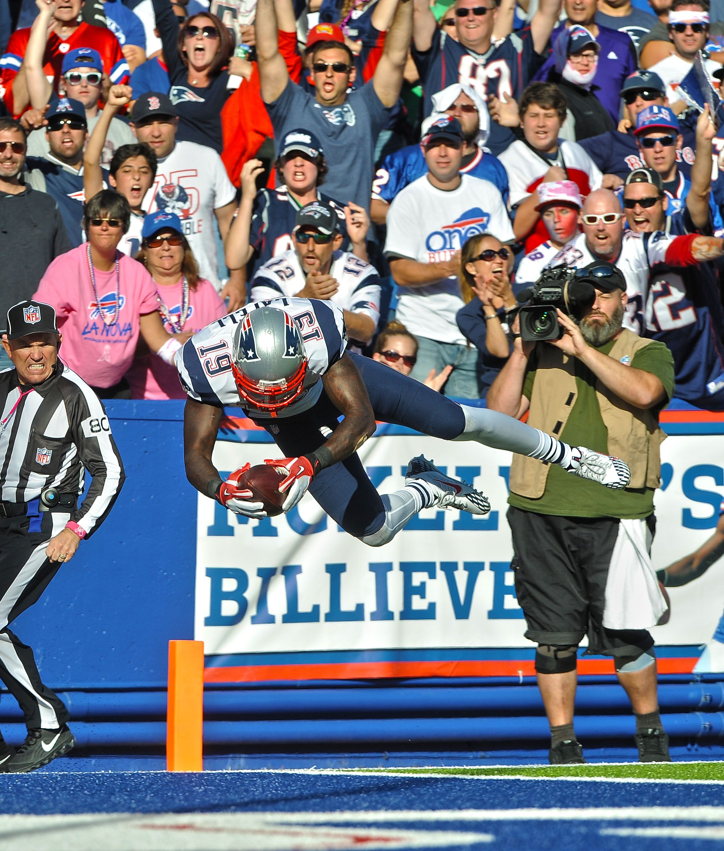 Brandon Lafell Jumping Into The End Zone For His 2nd Td Of The Game Nevsbuf Patriots Football England Sports New England Patriots
