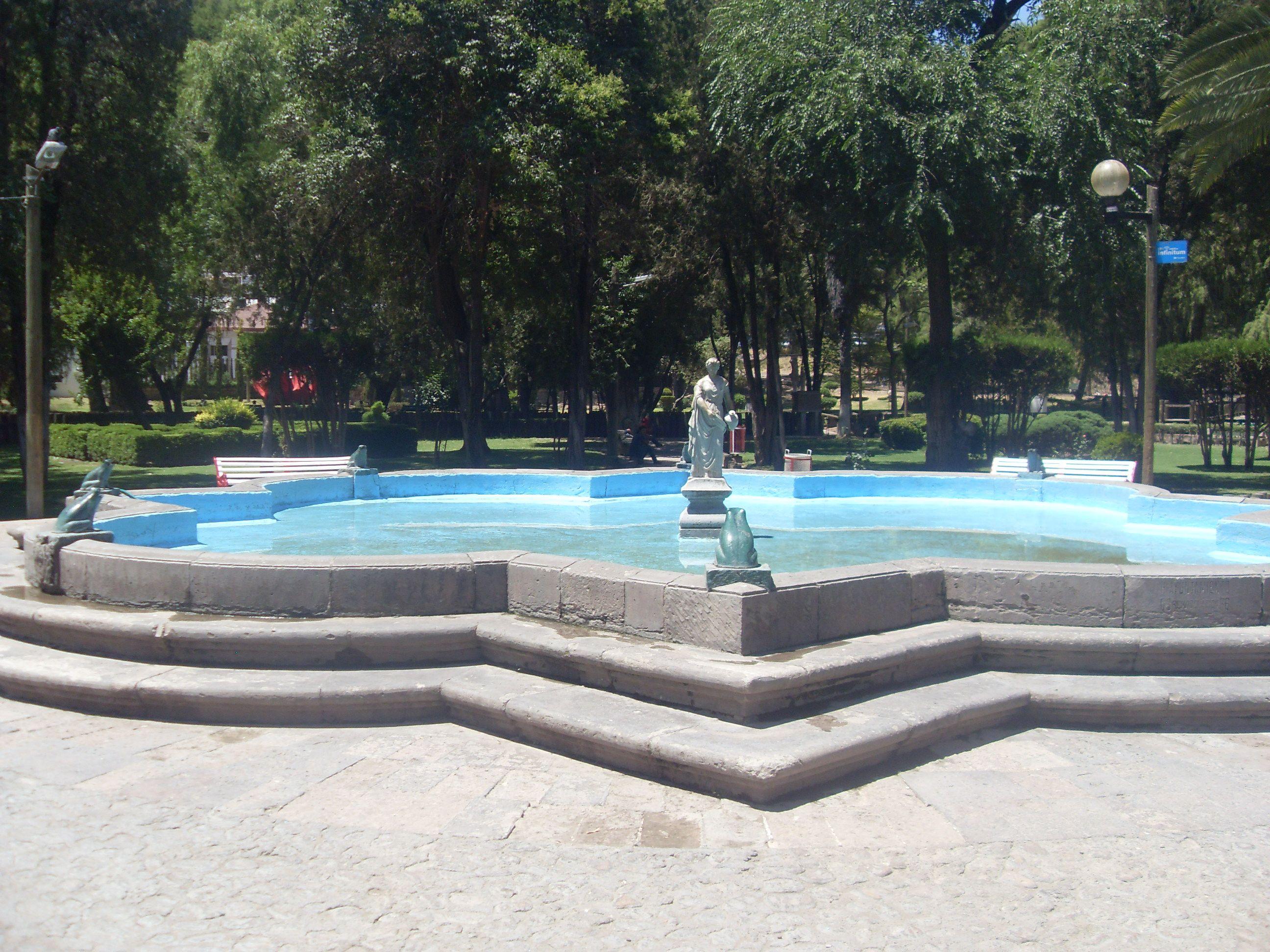La Llamada Fuente De Las Ranas O Ranitas En El Parque Guadiana De Durango Capital Outdoor Decor Outdoor Pool