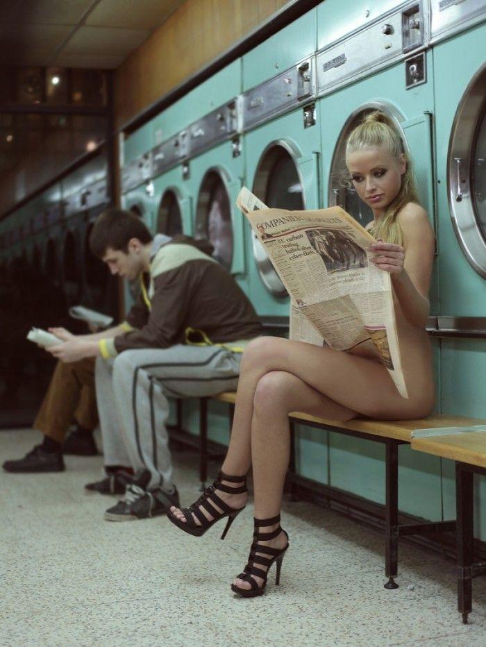 naked women doing laundry