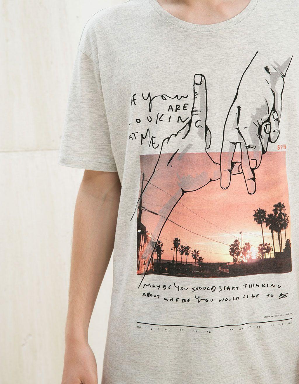 Camiseta 'L.A./Venice'. Descubre ésta y muchas otras prendas en Bershka con nuevos productos cada semana