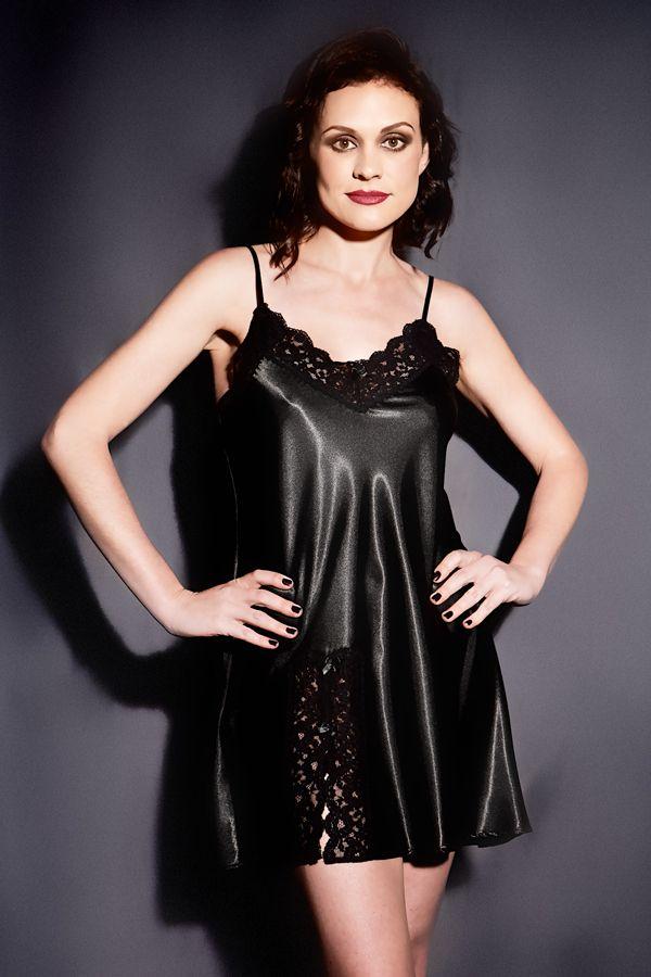 pin von sat in auf unbedingt kaufen black silk dresses. Black Bedroom Furniture Sets. Home Design Ideas