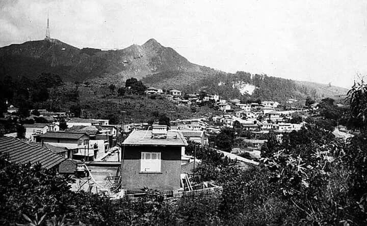 Bairro de Perus col o pouco do Jaraguá ao fundo 1984. Virou parque do Jaraguá 1961