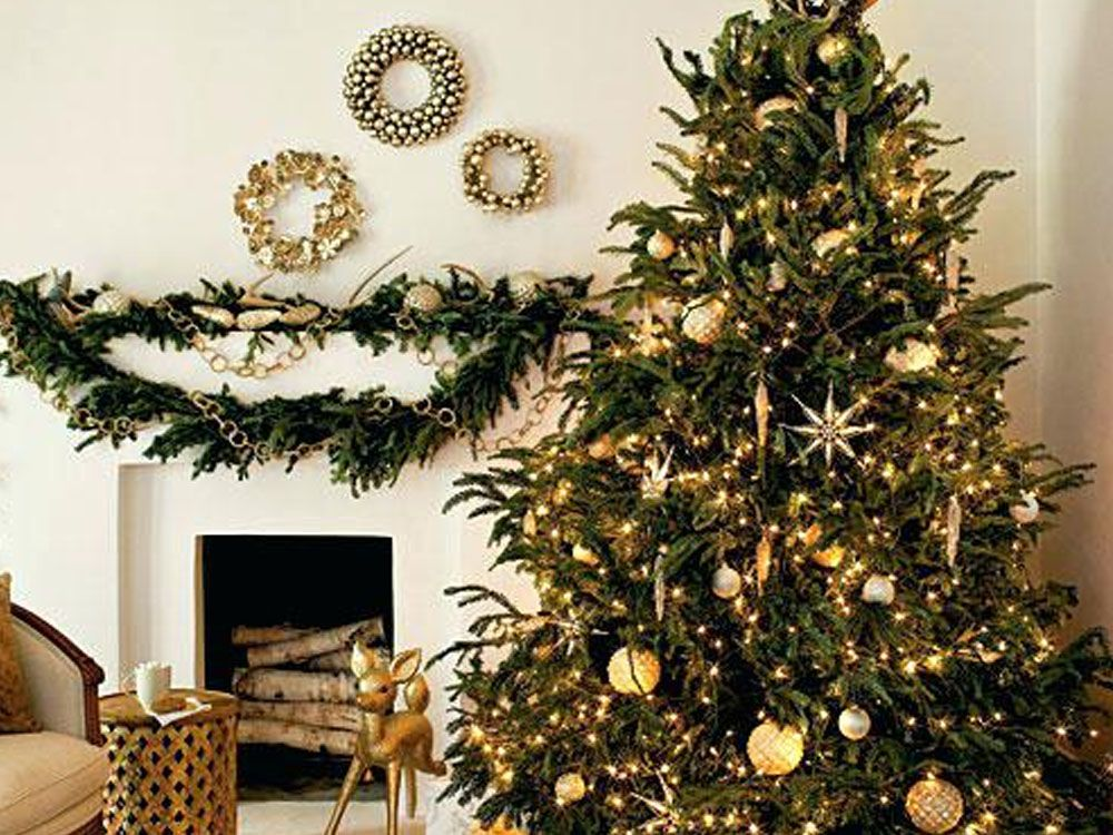 40 Christmas Tree Decorating Ideas To Copy Society19 Uk Gold Christmas Tree Elegant Christmas Trees Christmas Decorations