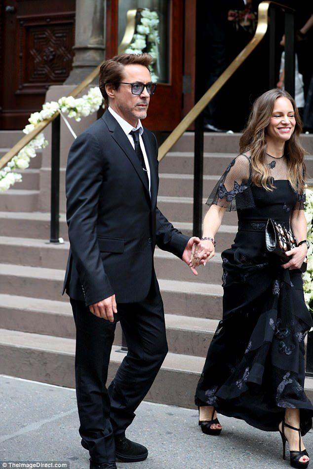 Emmy Rossum Wedding.Hilary Swank And Robert Downey Jr At Emmy Rossum S Wedding Rdj