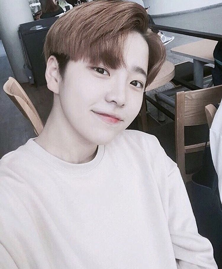 Selca, korean boy, and instagram image   Korean boys