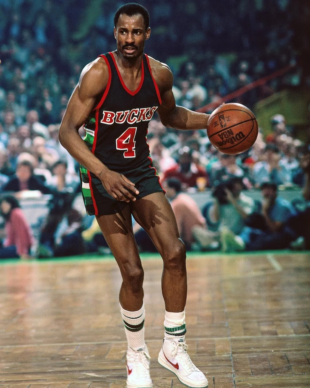 1983 Eastern Conference Semis Game 1 Sidney Moncrief 22p 8r 4a