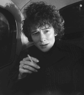 "Cate Blanchett as Bob Dylan in ""I'm Not There"" Series y"