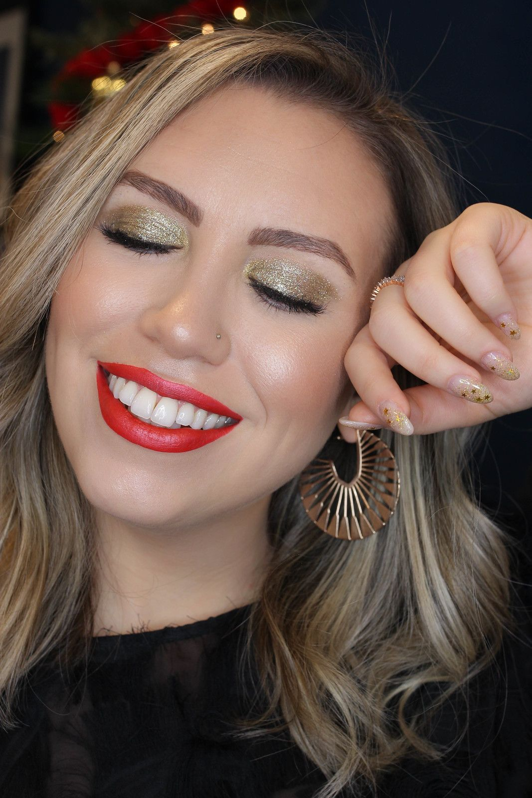 Holiday Makeup Monday Tutorial Gold Glitter Eyes Gold