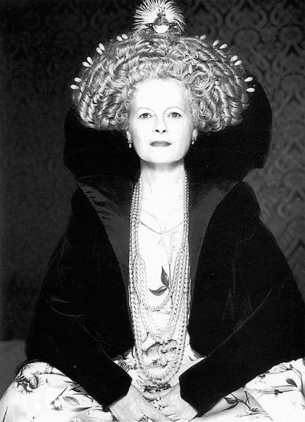 queen #vivianwestwood