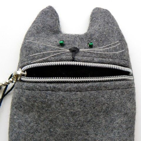 ipod case or camera zipper pouch hungry cat n hen. Black Bedroom Furniture Sets. Home Design Ideas