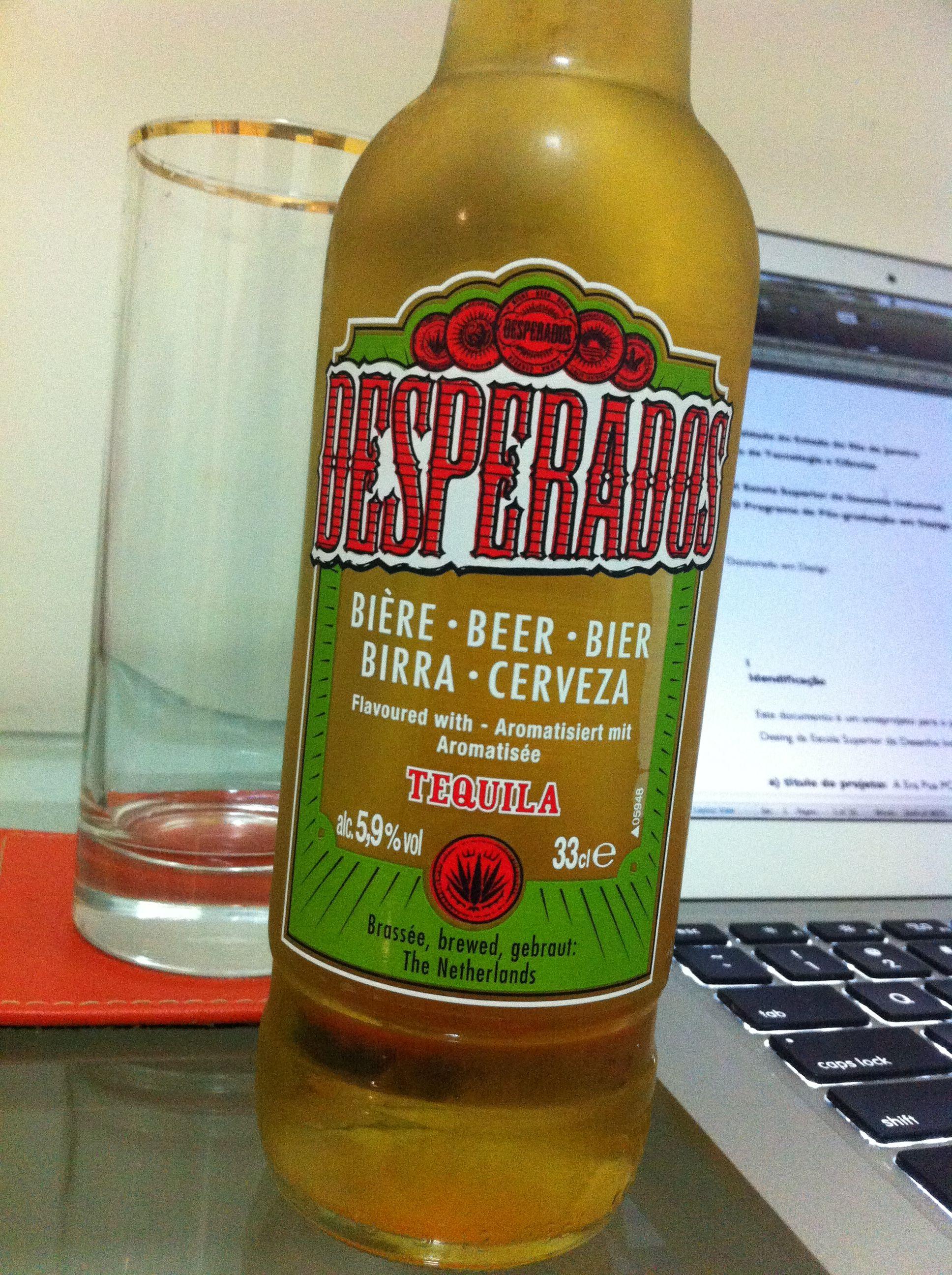 Desperados Com Um Forte Aroma De Tequila Seja La O Q Isso Signifique Beers Of The World Beer Bier