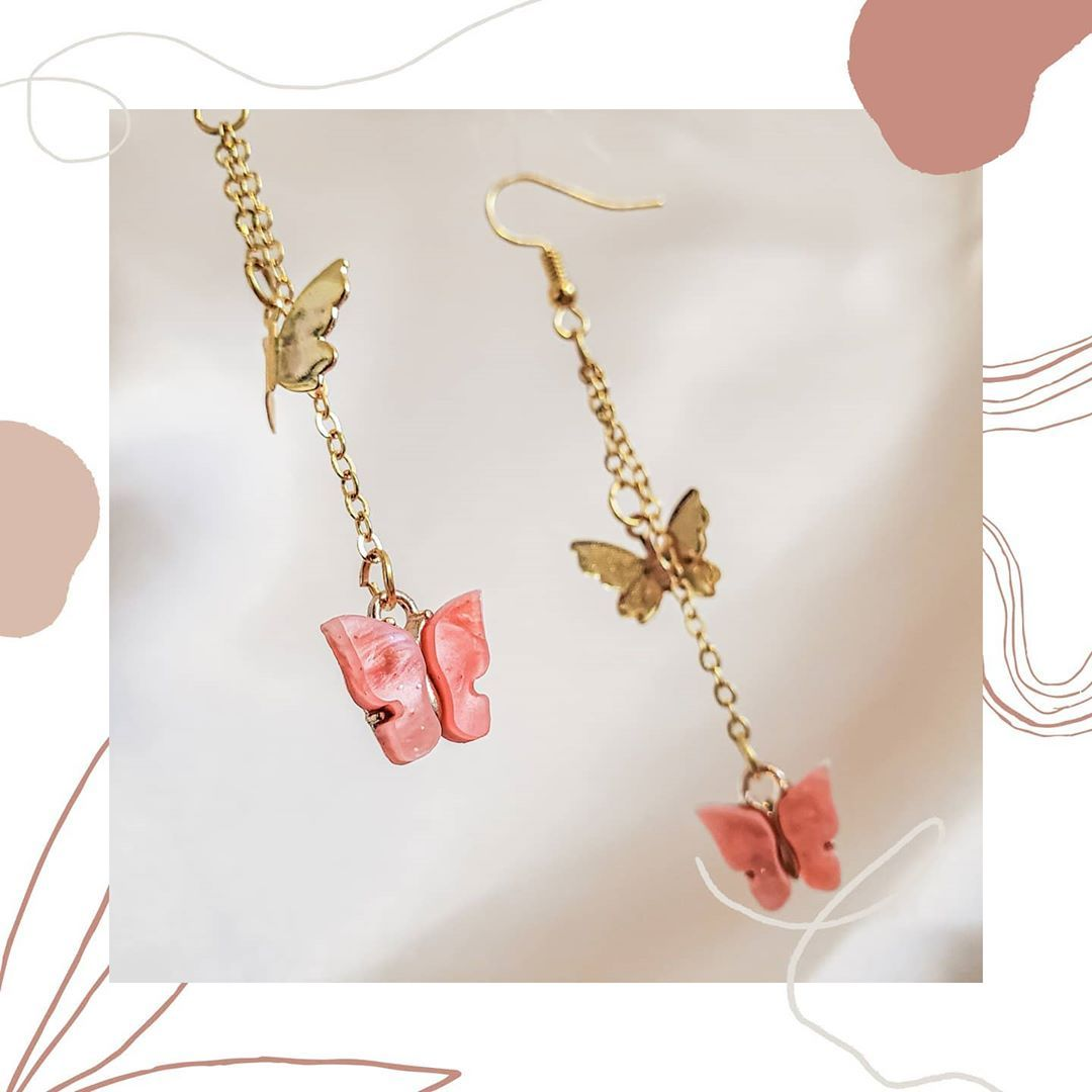 Introducing our very pretty Coral Flutter earrings in gold! 💫 We launch on November 15th at 4pm EST! Head over to our website pyaarse.ca linked in our bio and sign up for our newsletter to be the first one to get at our products when we launch! did you know that 10% of all profits from sales will go to charity? Lets spread the love! ★ #smallbusiness #jewelrybusiness #handmadejewelry #jewelry #necklace #earrings #bracelet #smallbiz #smallbizlife #smallbiztips #smallbizlove #smallbizowner #busine
