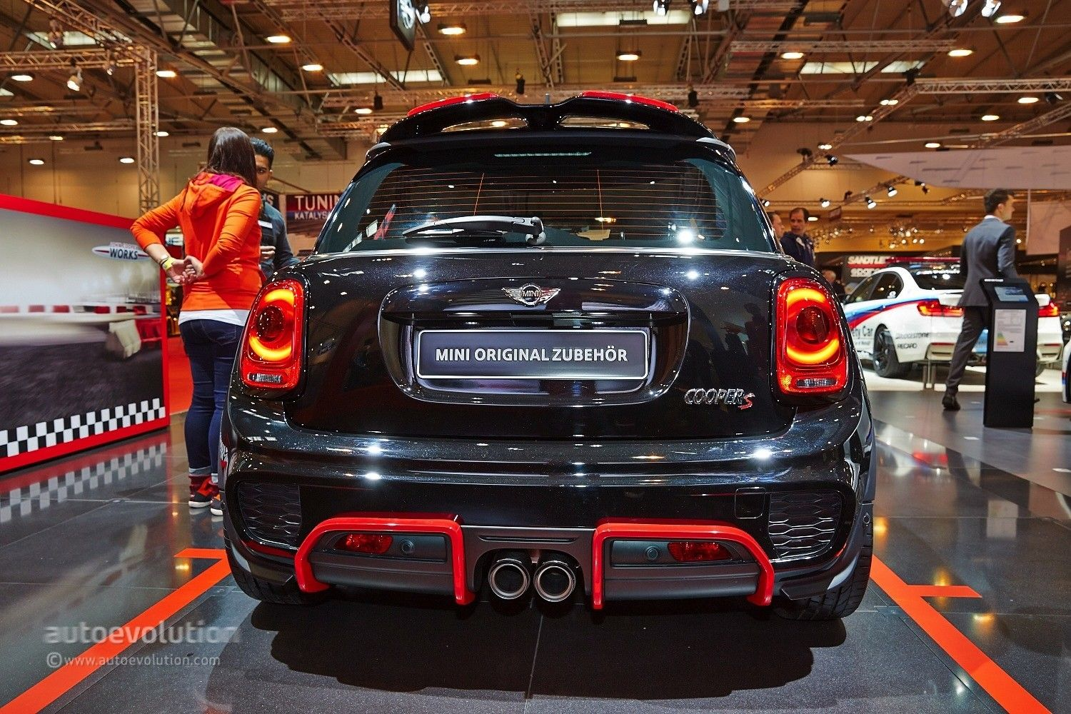 2015 mini cooper s gets 211 hp with jcw tuning kit at essen live photos autoevolution for. Black Bedroom Furniture Sets. Home Design Ideas