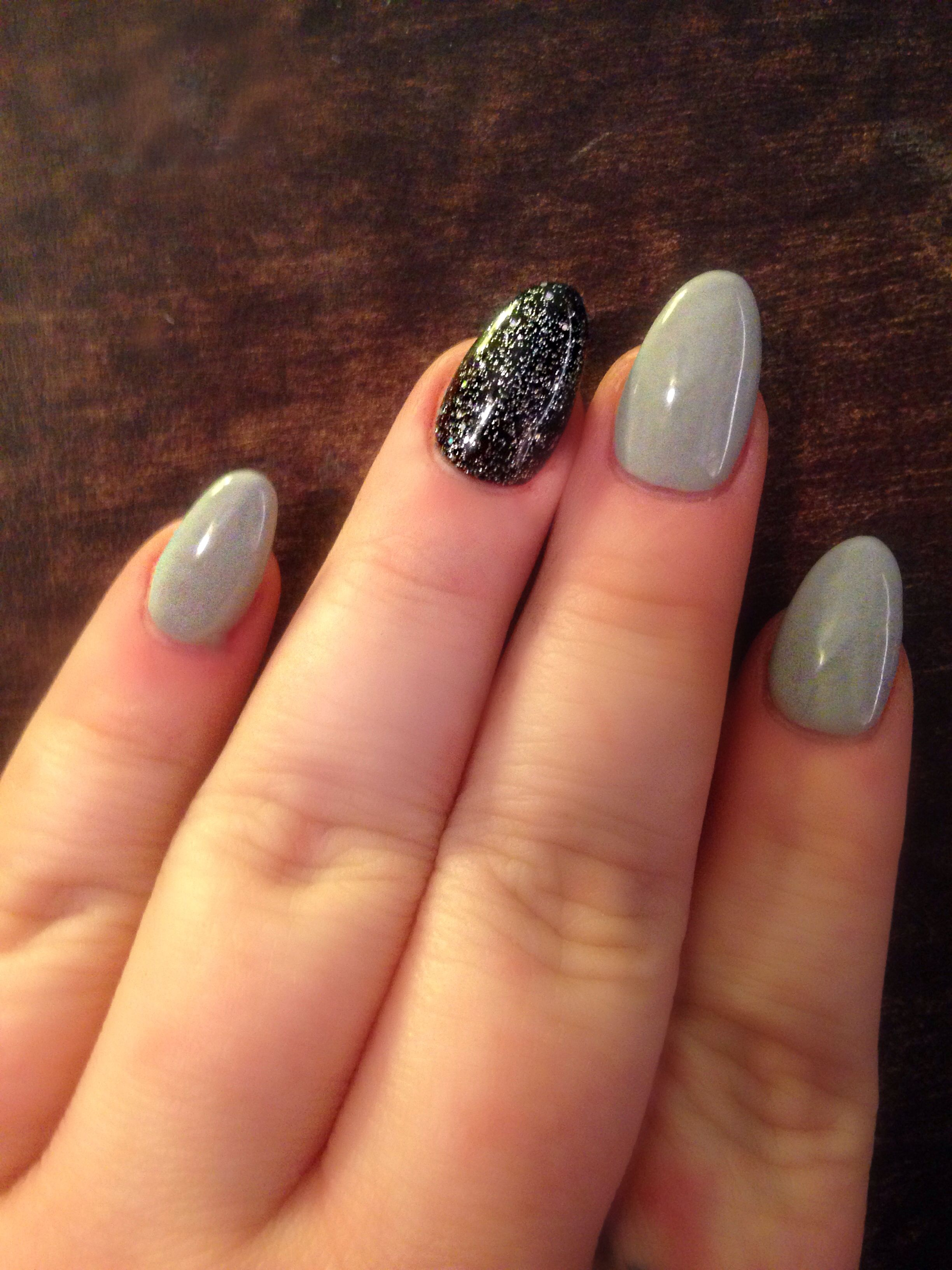 Grey and black glitter almond/stiletto nails | Nails! | Pinterest ...