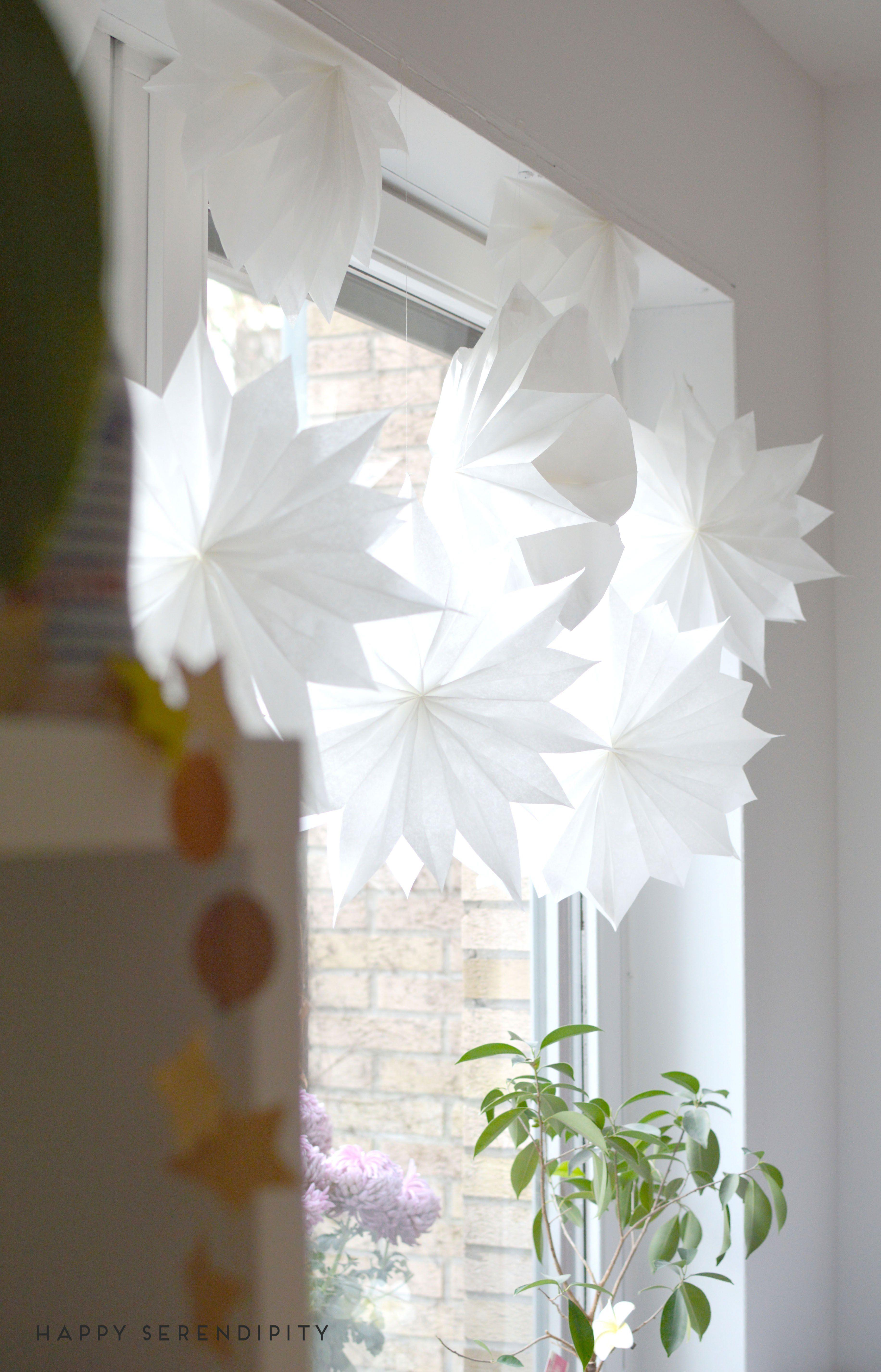 diy sterne aus butterbrotpapier und tapete weihnachten christmas paper crafts und diy paper. Black Bedroom Furniture Sets. Home Design Ideas