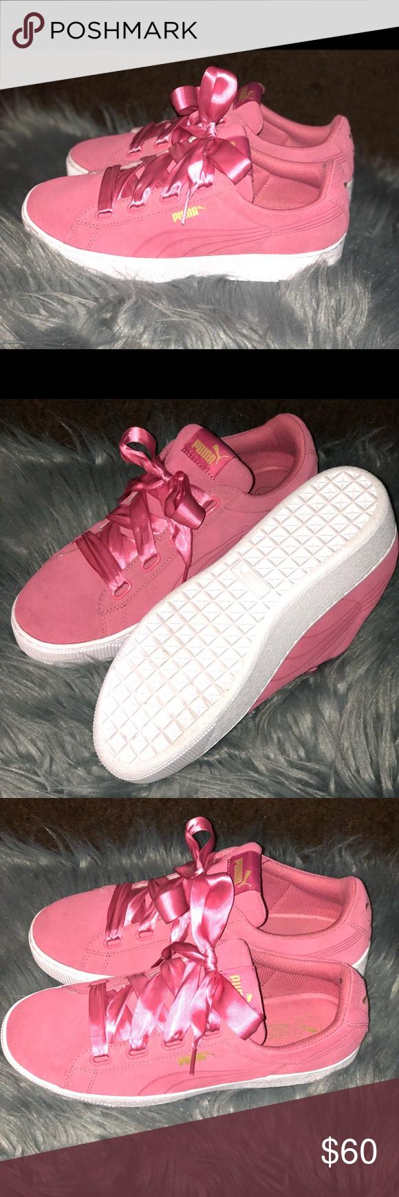 Pink Suede 💗 soft foam Pumas Size 9