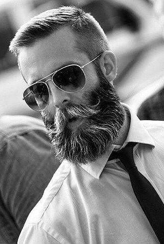 Photo of Coole Kombinationen mit mittlerem Bart und Frisur zum Ausprobieren