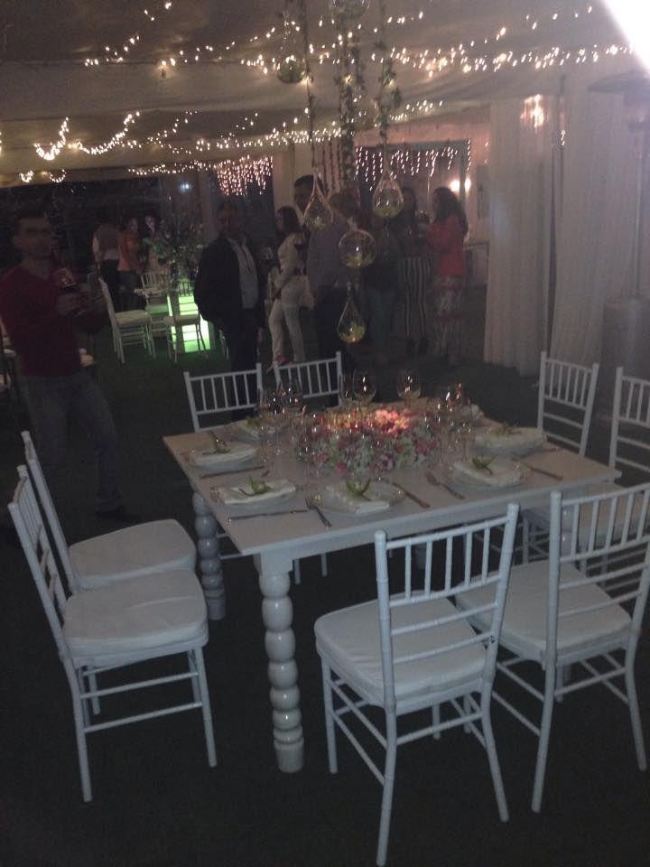 Silla tiffany blanca y mesa blanca en decape sillas for Mesa y sillas blancas