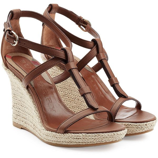 Burberry Shoes & Accessories Wedland Leather and Raffia Wedges (820 BRL) ❤ liked on Polyvore featuring shoes, sandals, wedges, heels, kengät, brown, leather sandals, strap sandals, heeled sandals and wedge sandals