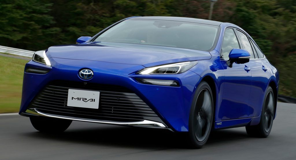 2021 Toyota Mirai Can Travel Nearly 400 Miles On A Tank Of Hydrogen Carscoops Toyota Old Models New Cars