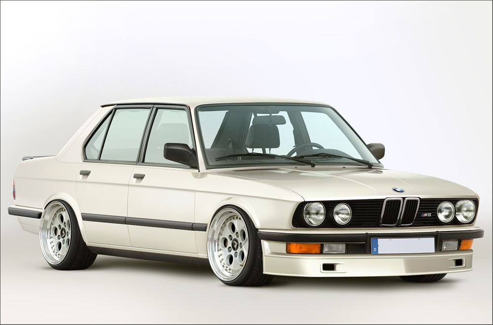 bmw e28 m5 #Rvinyl & #BMW: A match made in heaven. Spend your time doing something useful this Thanksgiving like drooling over these pics.