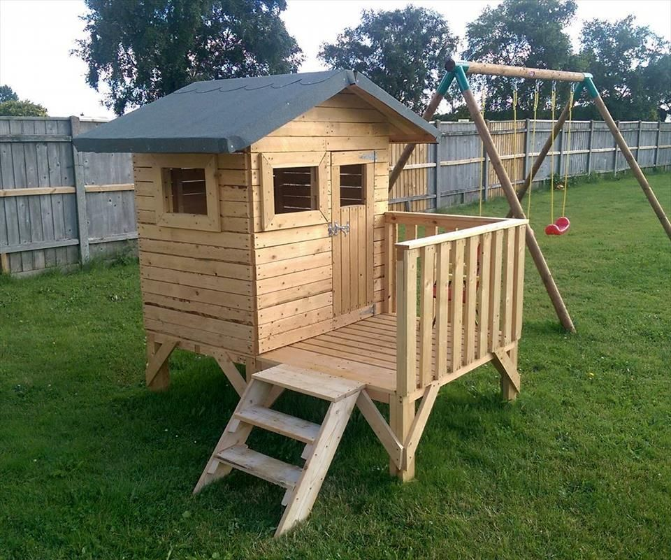 Diy Small Pallet Playhouse For Kids Pallet Tree Houses Pallet