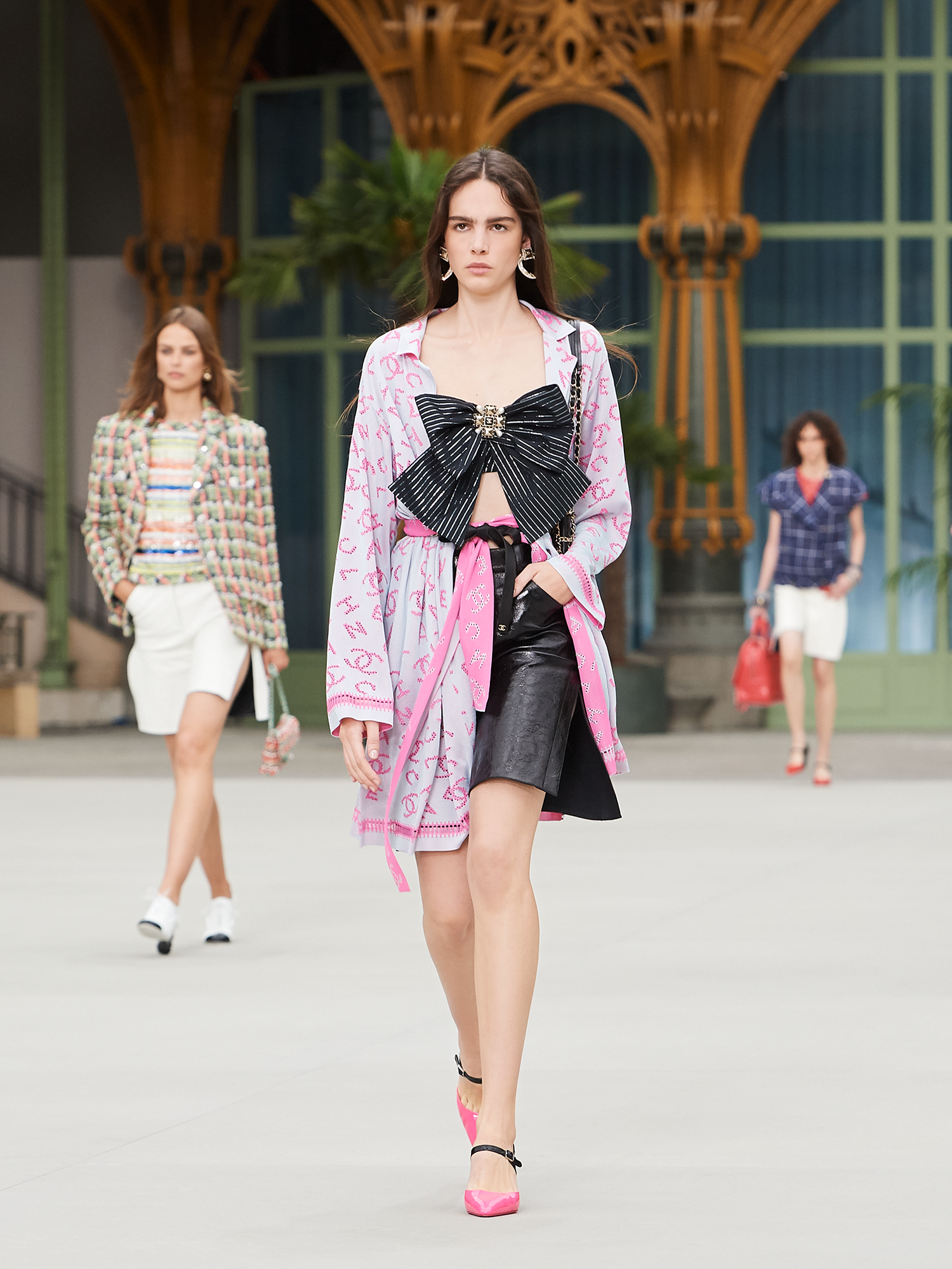 Pin de Ella Renzi em Vestidos | Ideias fashion, Vestidos