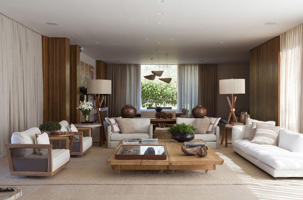 Residência Quinta da Baronesa : Salas de estar modernas por Débora Aguiar