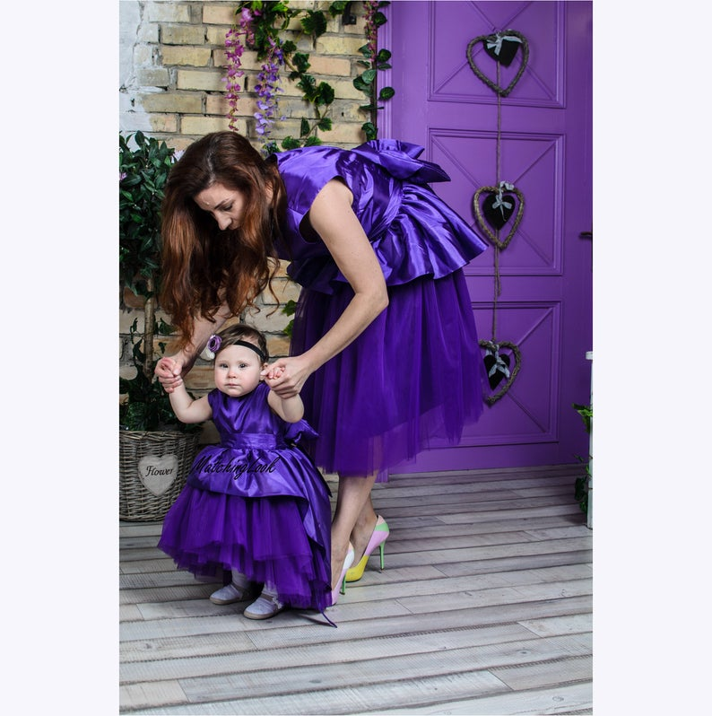 Casual elegant dresses with extended back for mother and daughter Karamel