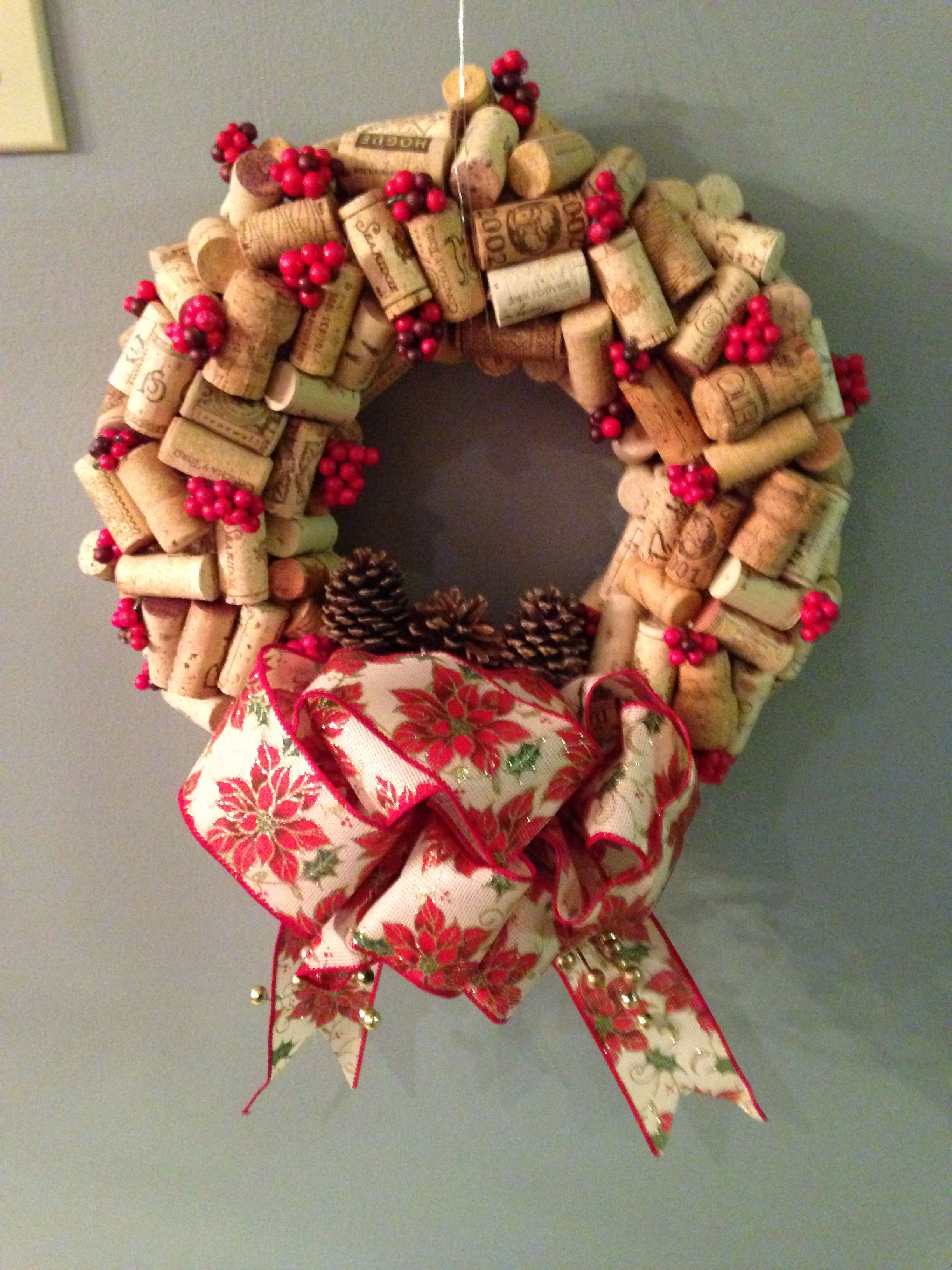 Wine cork Christmas wreath totally different but like the idea