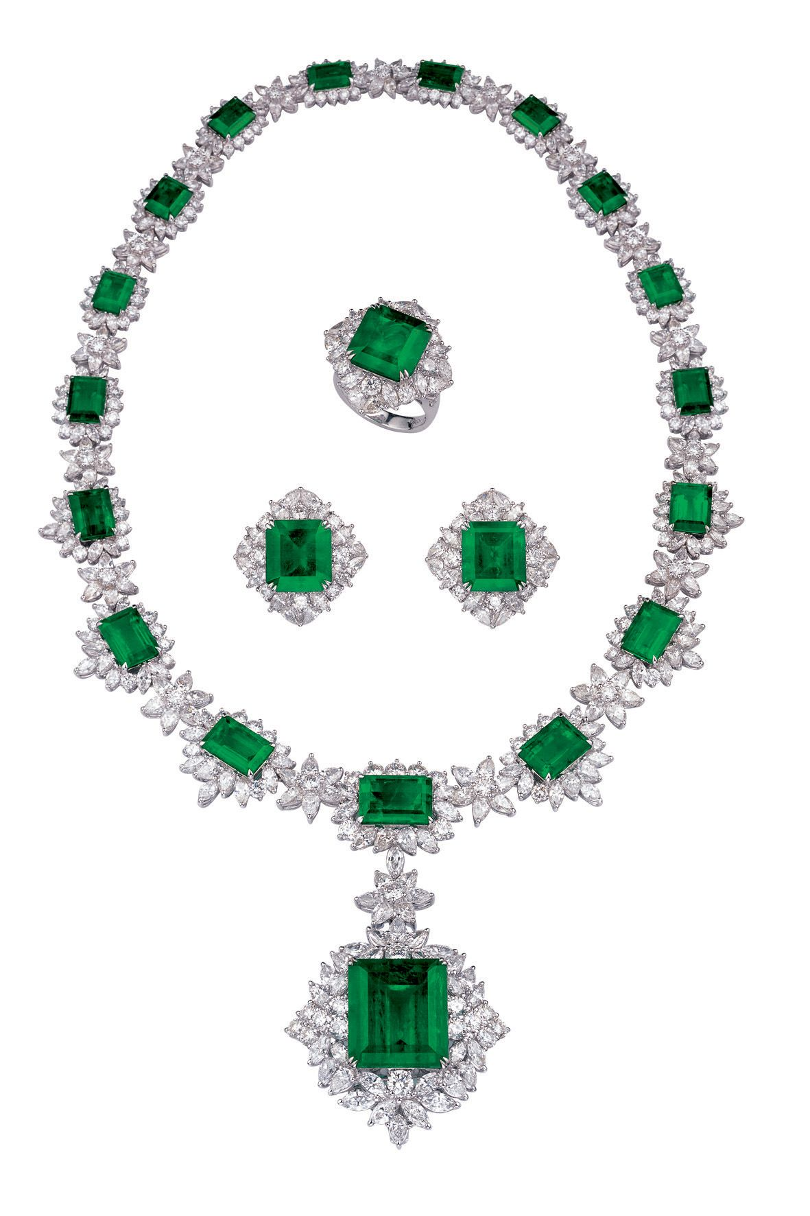 Nelson Jewellery Arts Co Ltd Booth No 1E201 Green Necklace