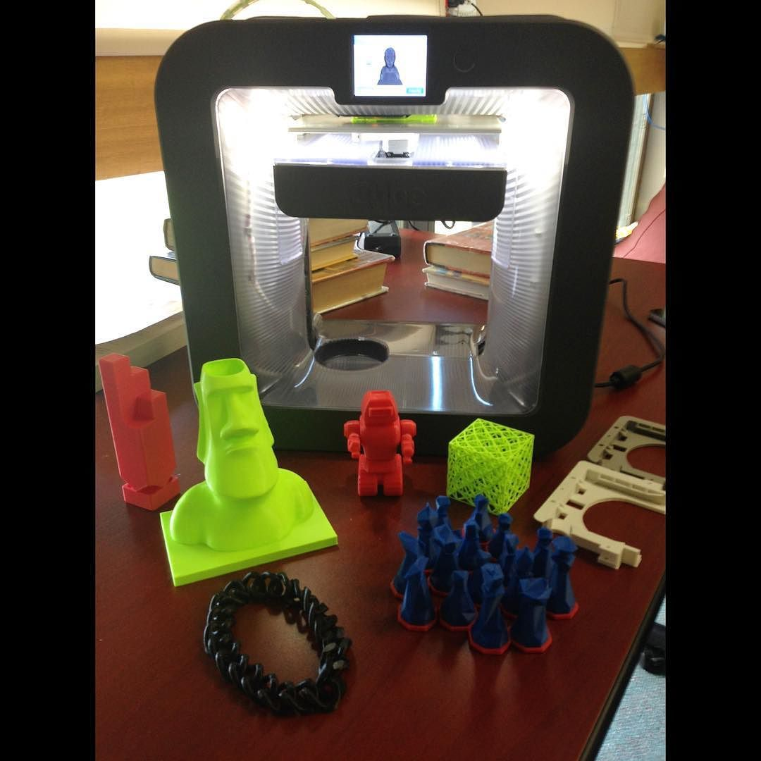 We took a peek at the library's new 3D printer for our upcoming New in the Soo episode. Look at some of the fun things they've printed already! #3D #3Dprinting #library #design #saultstemarie #sault #ssm #soo #thesoo #ontario #northernontario #algoma #news #local2 #villagemedia #like by local2ssm
