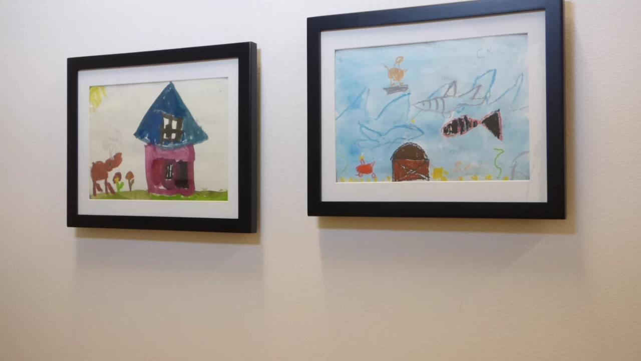 8 5x11lil Davinci Art Cabinet With Ez Clip Ldsg 8511 Video Video In 2020 Frame Kids Art Art Display Kids Kids Artwork