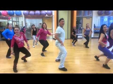 Salsa Merengue Regueton Cumbia Bachata En La Clase De Rumba De