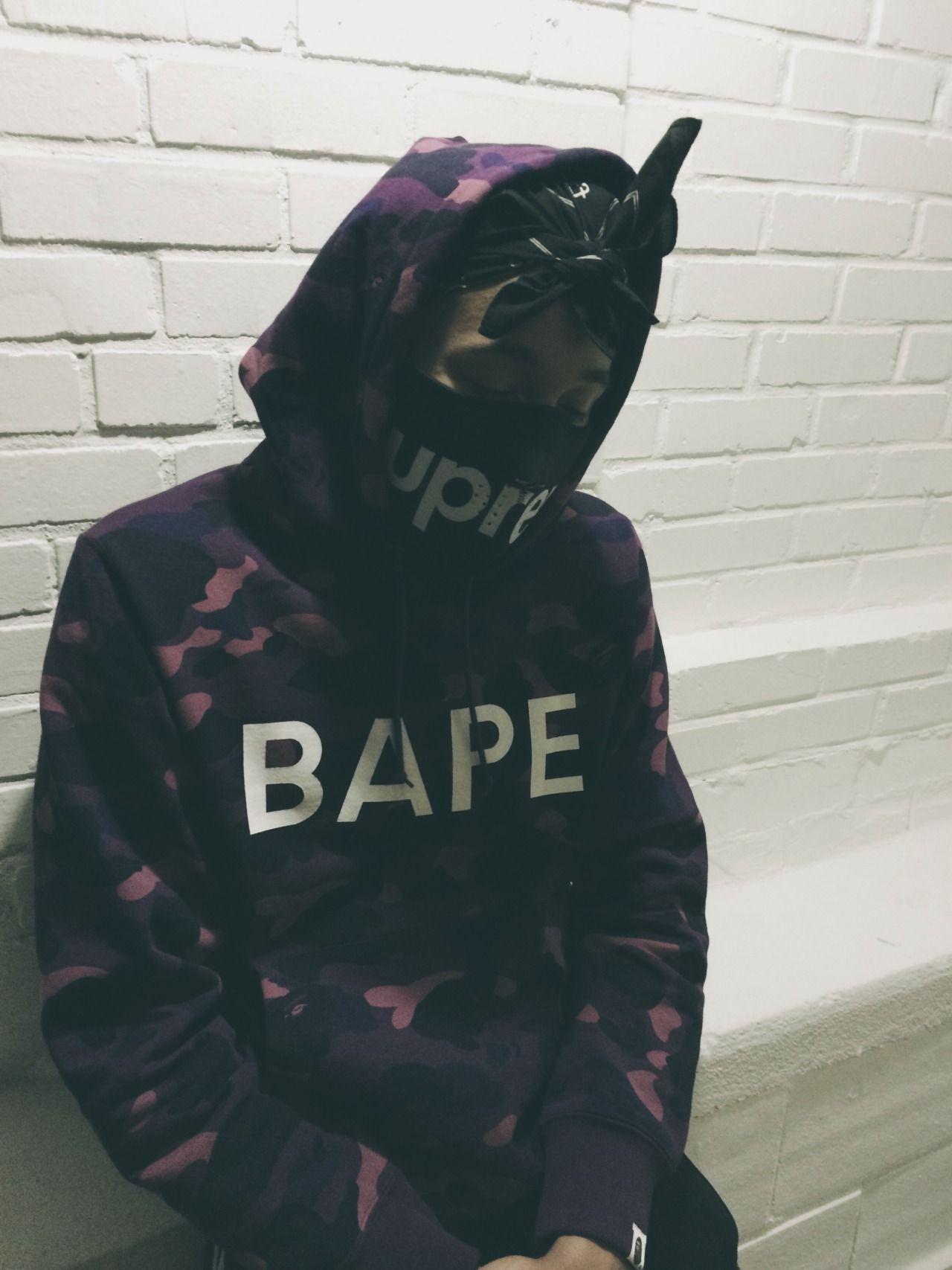 84eb68ed0524 Bape Supreme. Dot