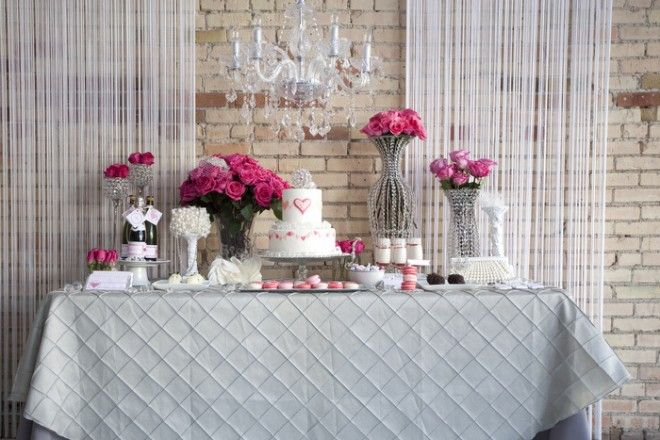 Love this gorgeous #gray #pink and #white #dessert #table