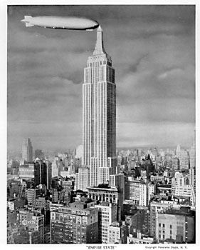 Blimp Tied To Empire State Building