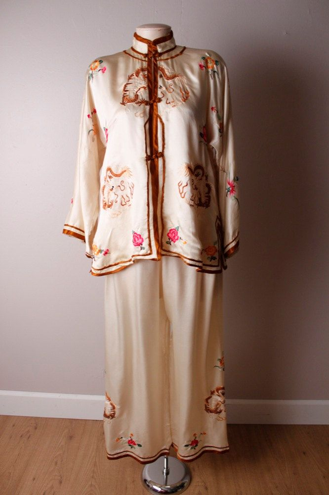 Vintage 1940 s Silk Chinese Pajamas Shirt Pants Dragon  bf8706f8b