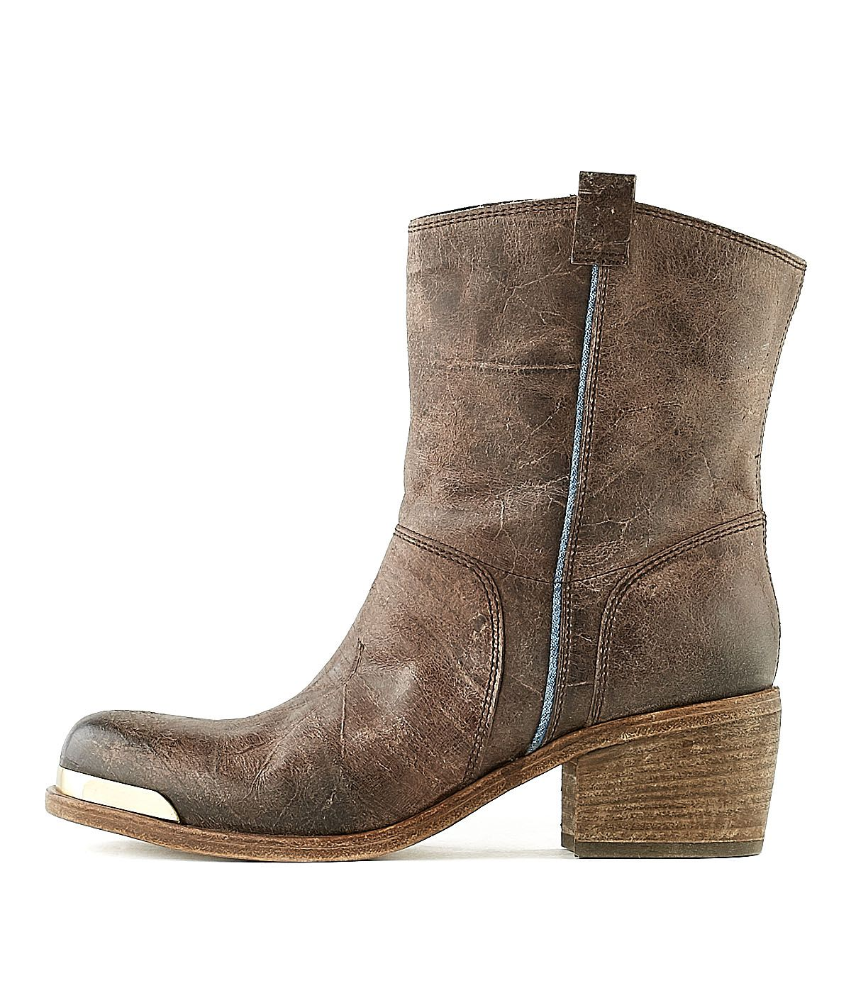 OXS   Stiefelette 4432 Brown Women   Rossi&Co #women #fashion #boots #oxs #italian #madeinitaly #bootsforwomen #designer #brown #leather #love #online #sale #present #ideas #gift #girlfriend #cognac #cool #outlet #ankleboots #heels #rossiundco
