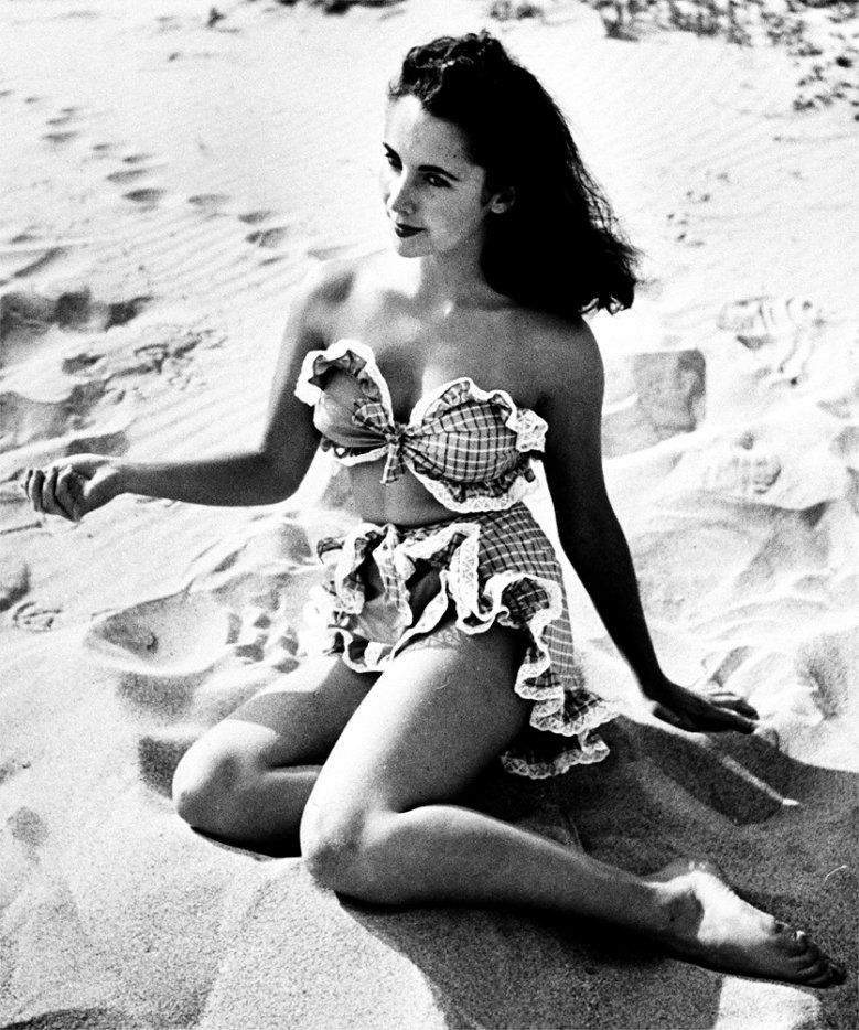 Elizabeth Taylor | Elizabeth taylor, Maillot de bain, Bikini