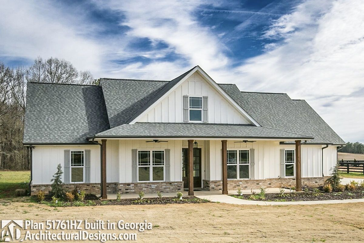 Amazing Classic 3 Bed Country Farmhouse Plan   51761HZ   03 Design Inspirations
