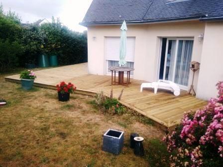 terrasse en bois ( pin, traitée classe 4 ) posée sur plots Réalisée