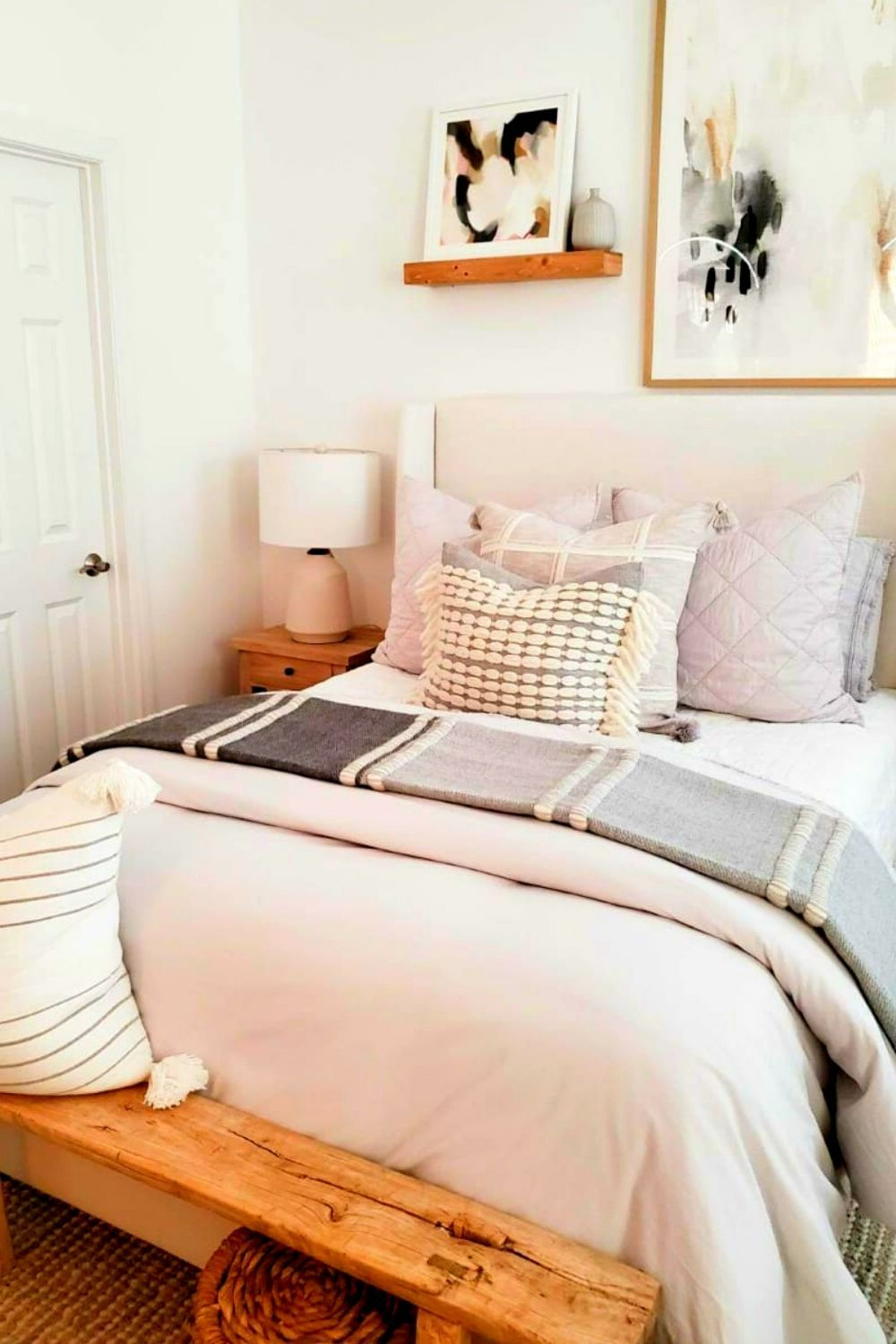 There are many unique minimalist bedroom interior designs that you can sample on the internet. However, in addition to this uniqueness, consider these things first..#minimalistbedroom#bedroominterior#bedroominteriordesign#minimalistbedroomideas#minimalistbedroomdecoration#bedroom#bedroomideas#bedroomdecor