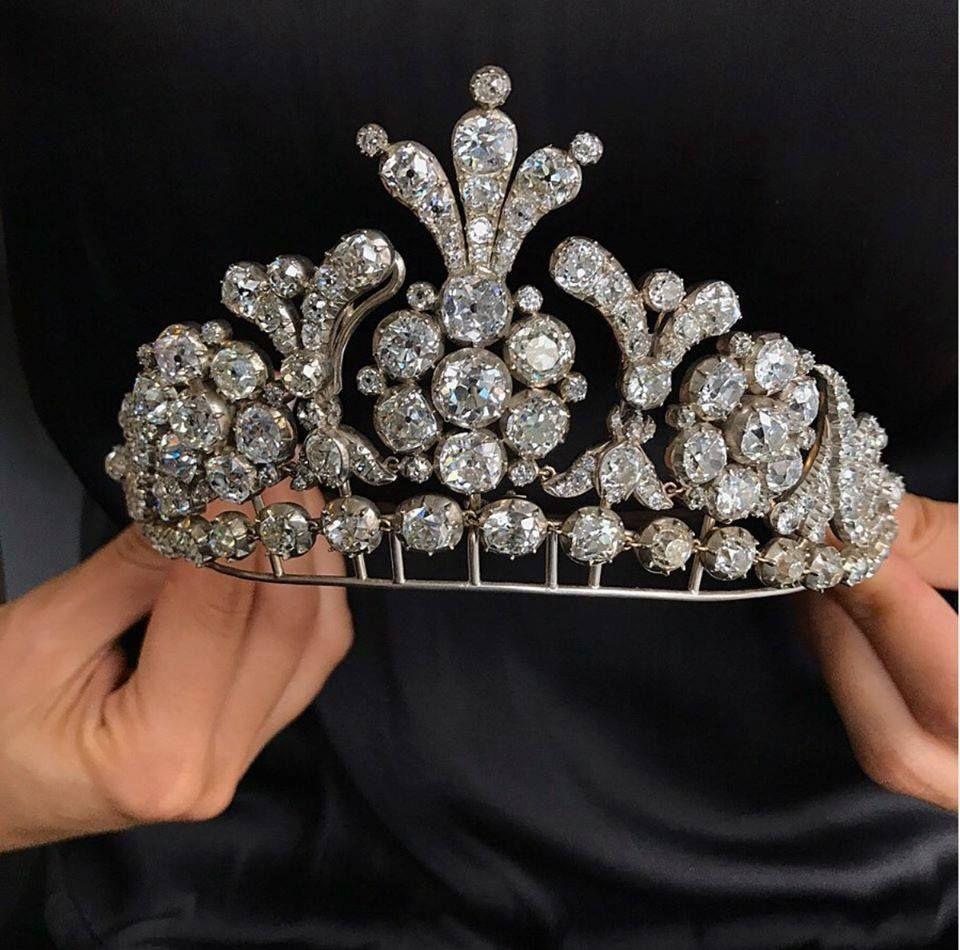 Pin Di Massimo Terzo Account Su Jewelry Tiaras