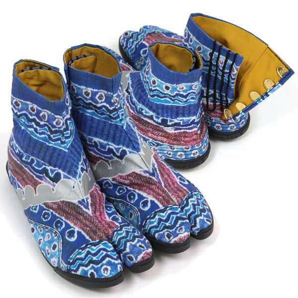 "Japanese ""jika-tabi"" shoes hand crafted in Japan WANT!!!!"