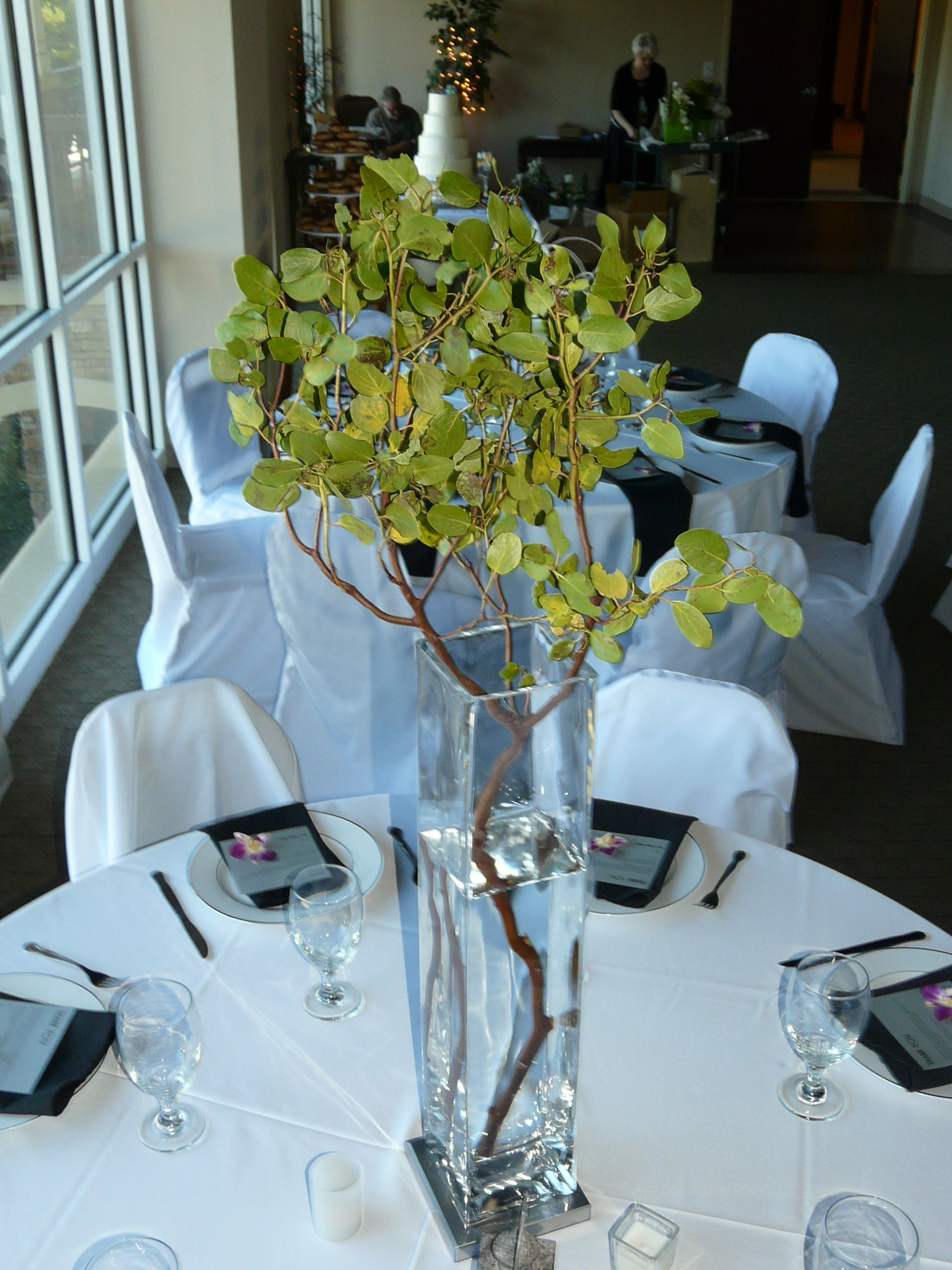 center piece (With images) Event flowers, Prom flowers