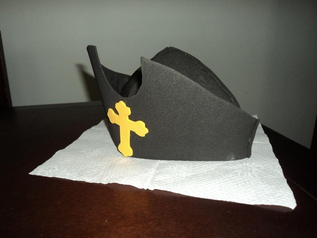 Tras mucho buscar por todas parte como realizar el sombrero de Cristóbal  Colón me encontre estos moldes que comparto y el procedimiento para hacerlo. be3966b9962