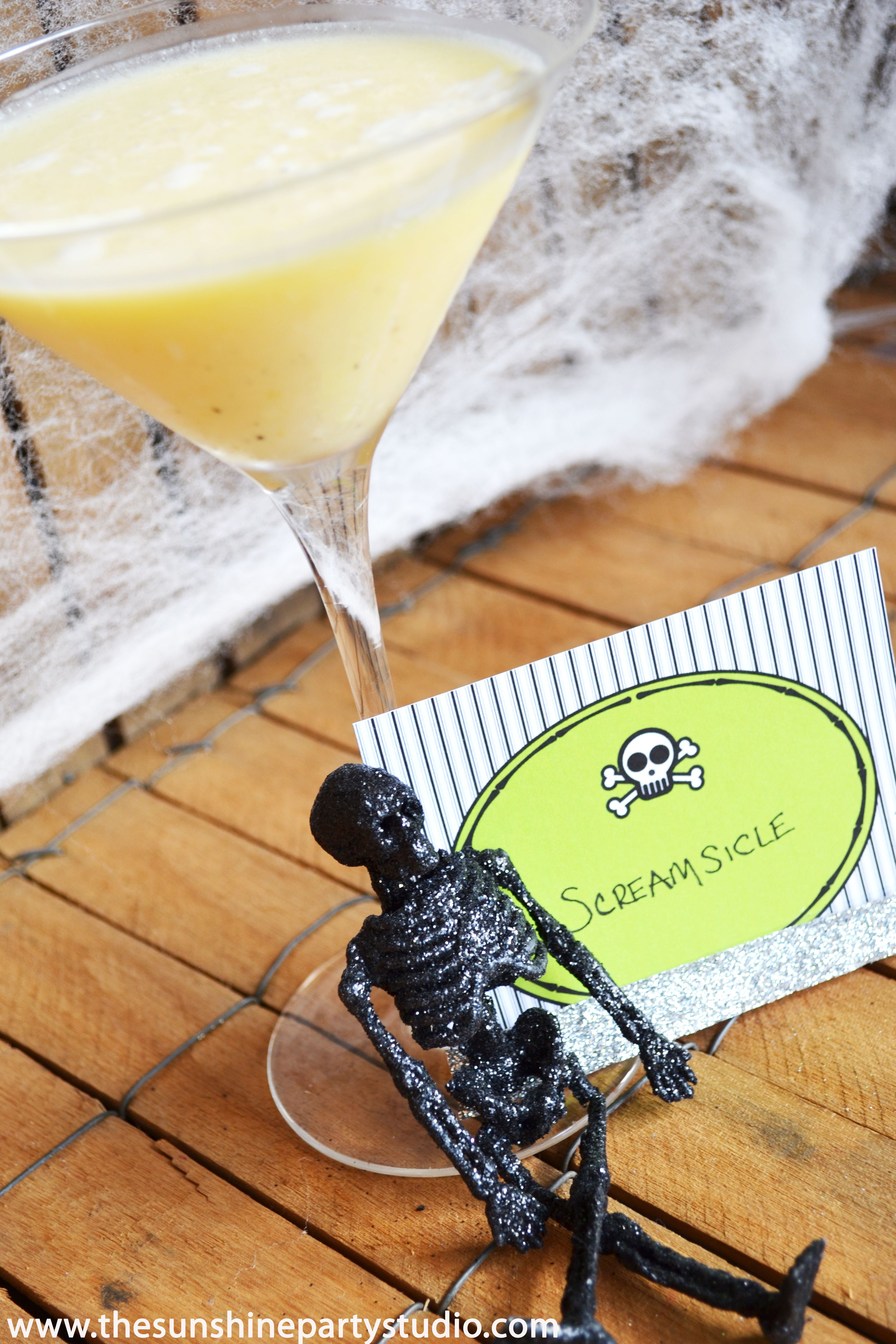 Orange SCREAMsicle- Halloween cocktail recipe