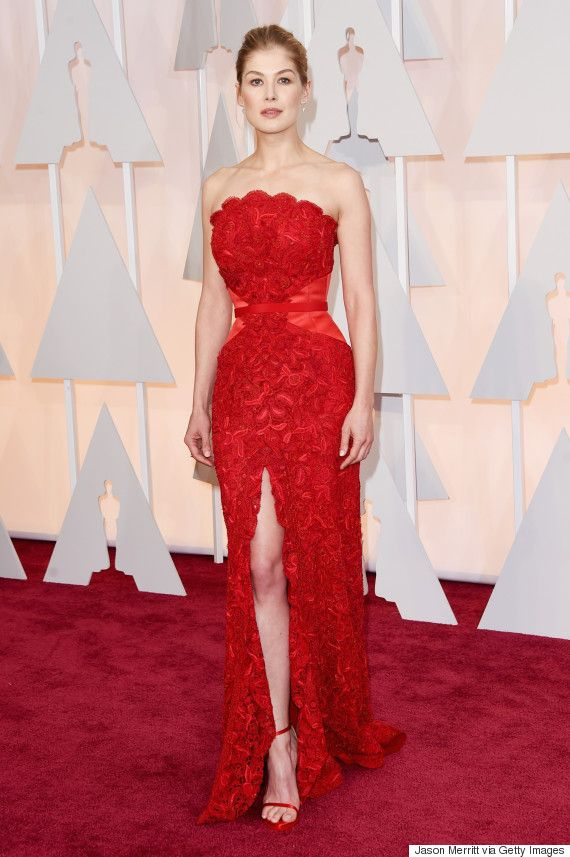 Rosamund Pike Is Ravishing In Red | All the dresses | Pinterest ...