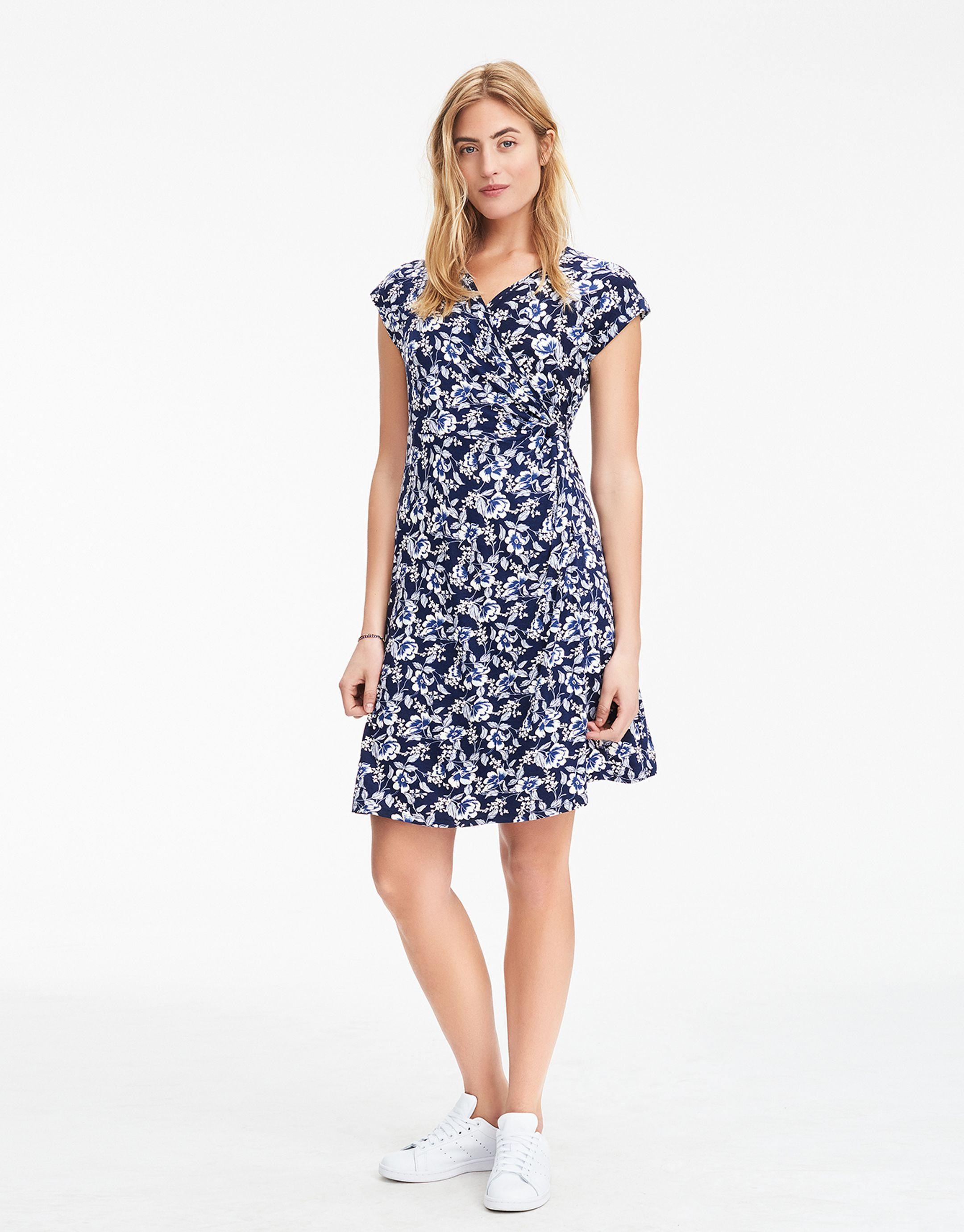 7e3b982ed929 FERN klänning marinblå | Print | Jersey dress | Klanningar | Mode |  Indiska.com
